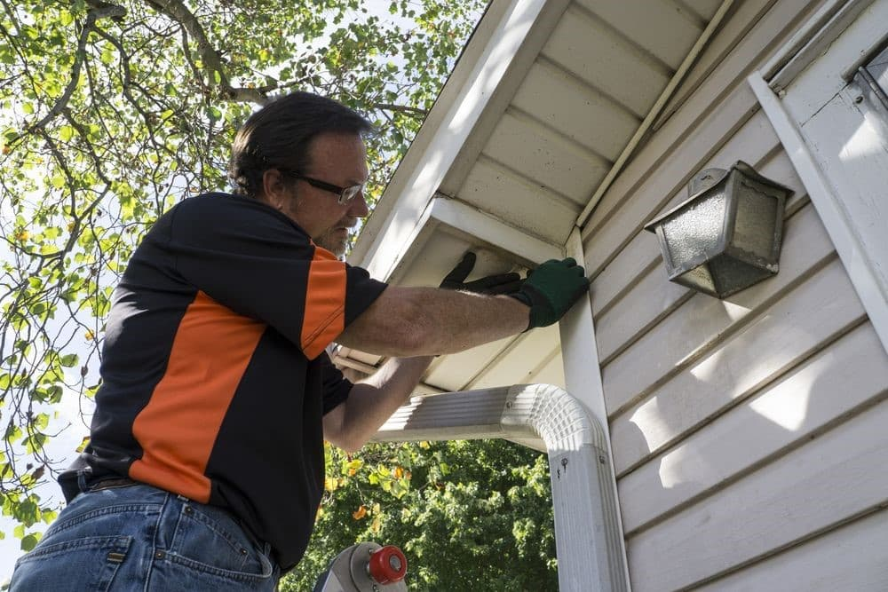 Most Common Problems That A Simple Vinyl Siding Repair Can